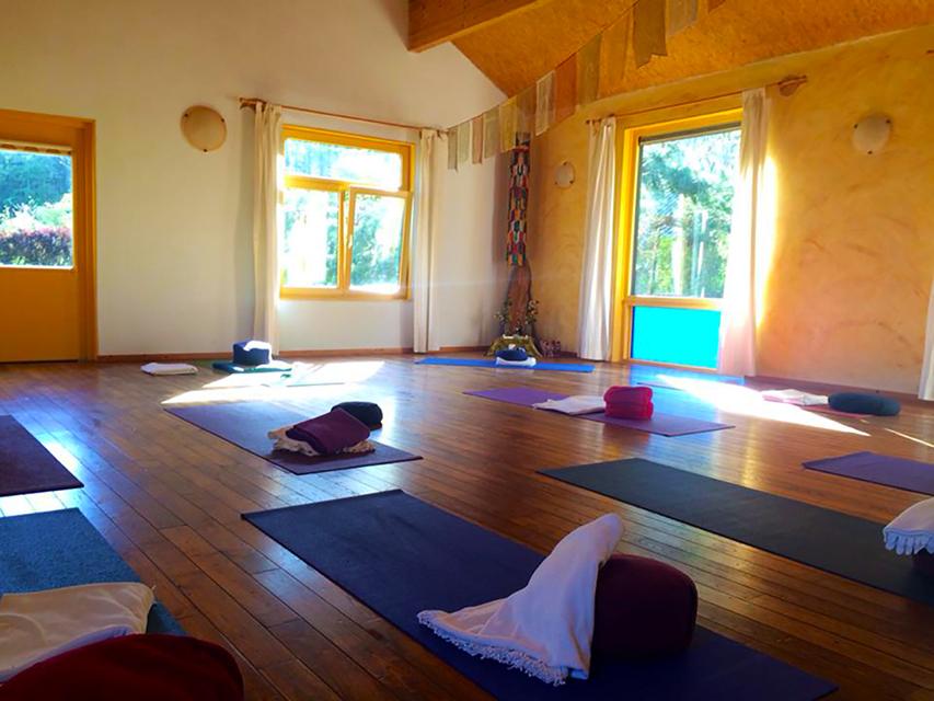 yogazaal yogaweek, yogavakantie, vakantie yoga en sjamanisme